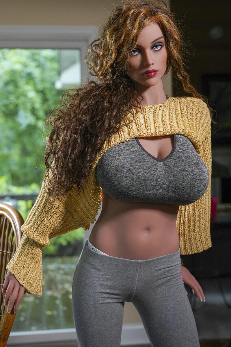Angelina (35 years)