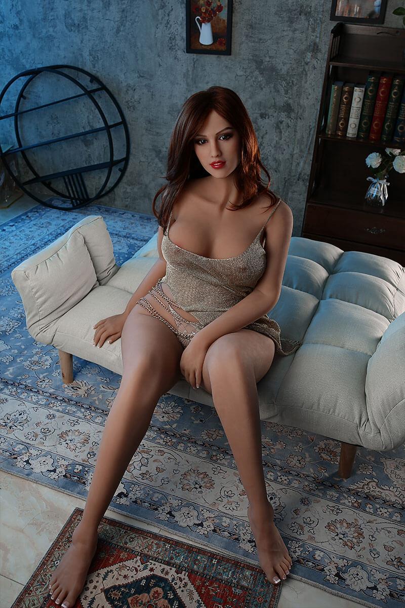 Carmen (36 years)