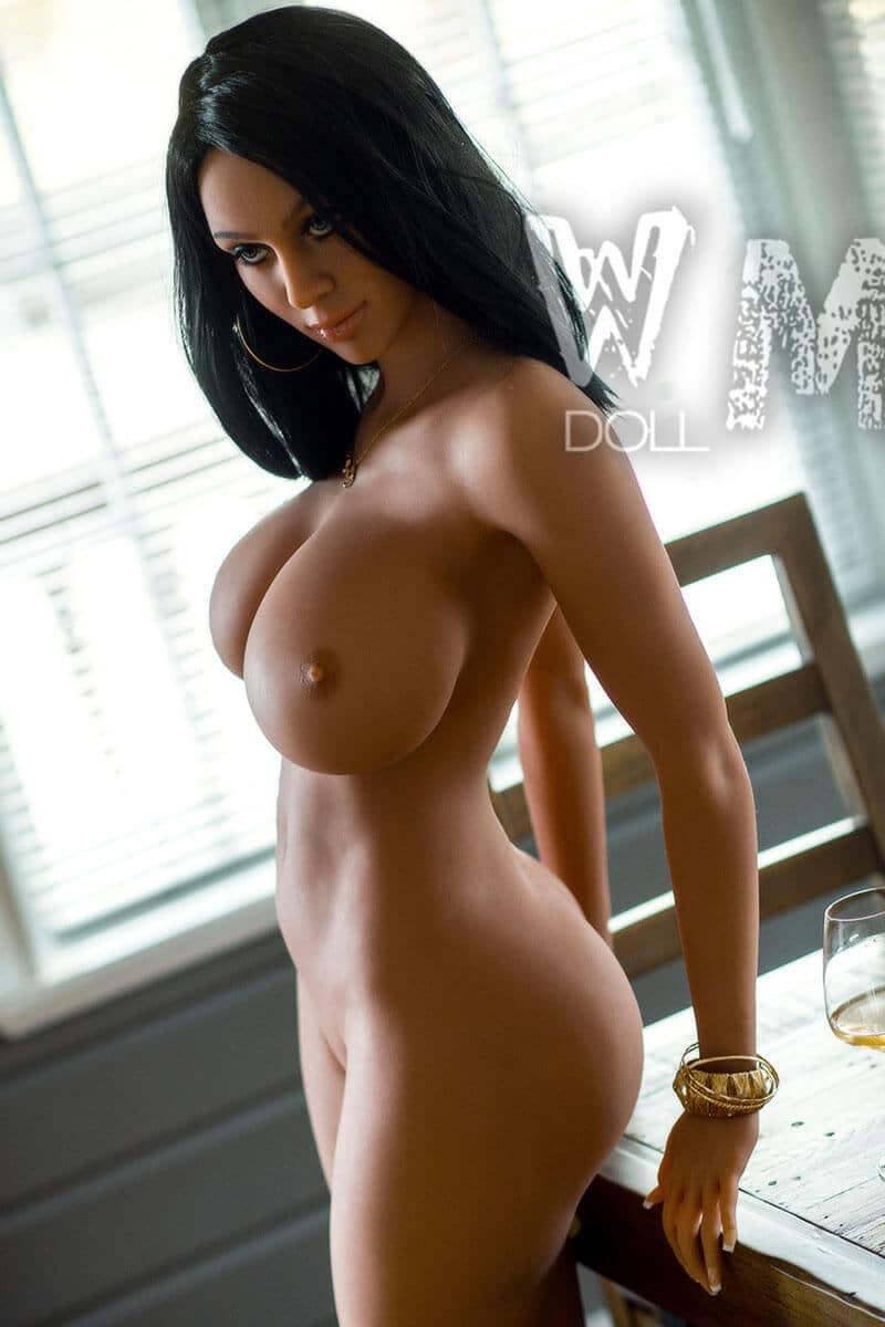 Ayla (28 years)