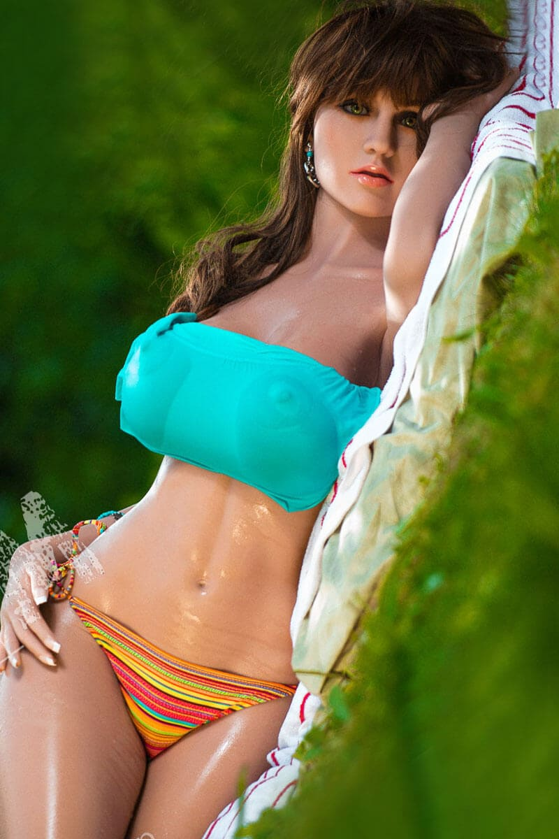 Joanna (31 years)
