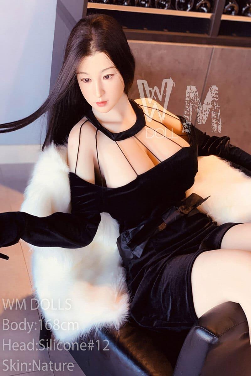 Linh (20 years)