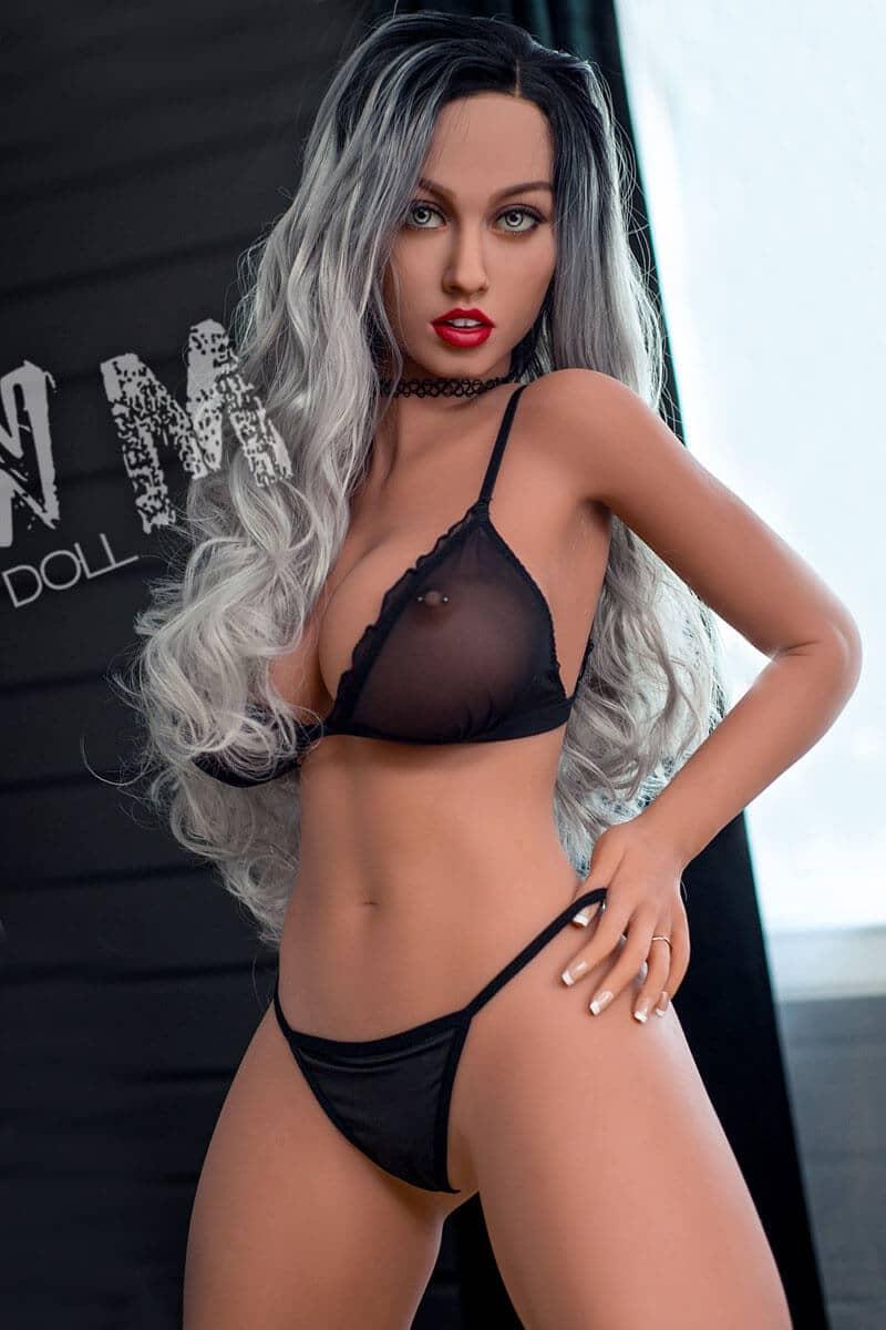 Aurelia (26 years)